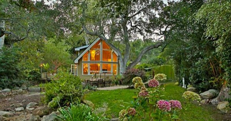 It 39 S Not Tiny But This Luxury Cottage Vacation Rental Is
